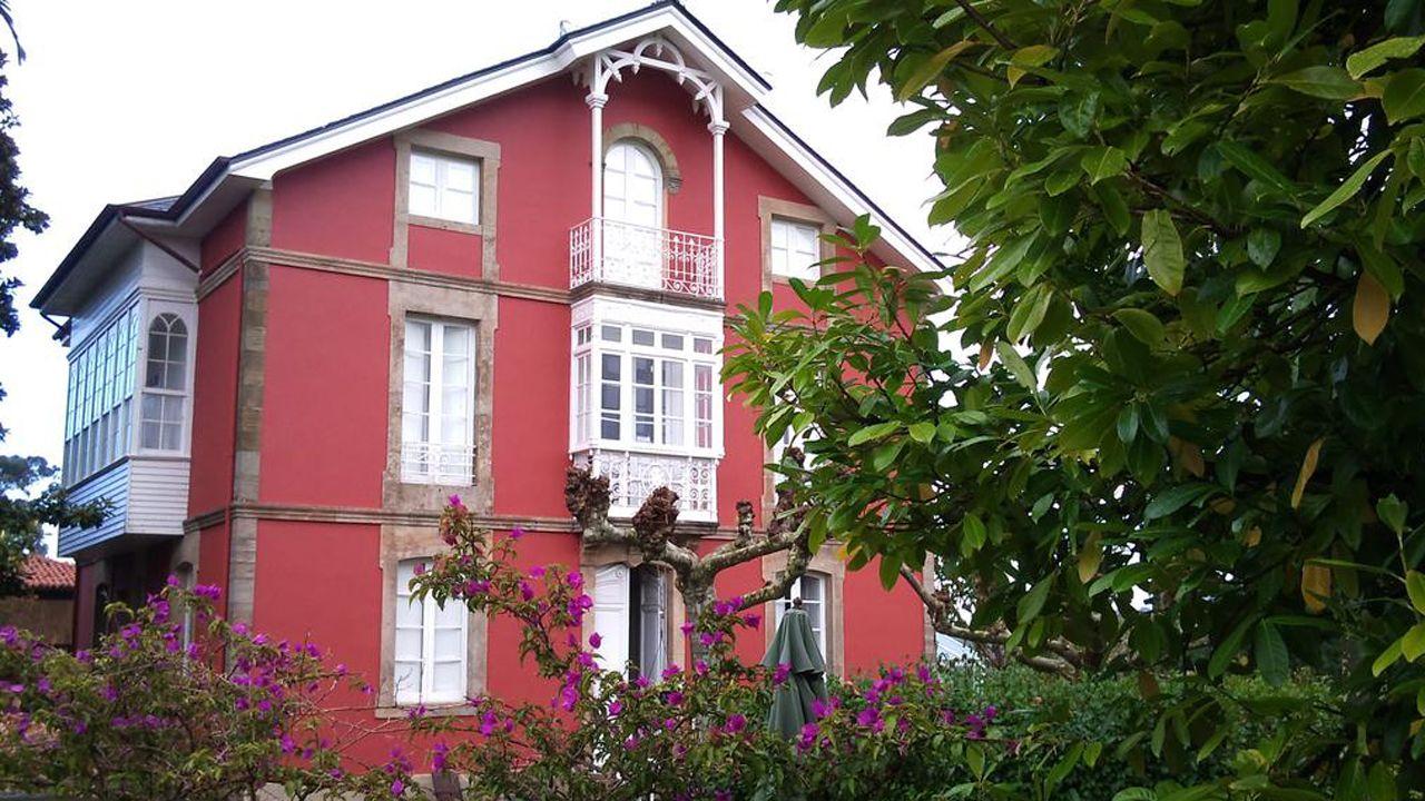 Fachada del hotel Casa Roja