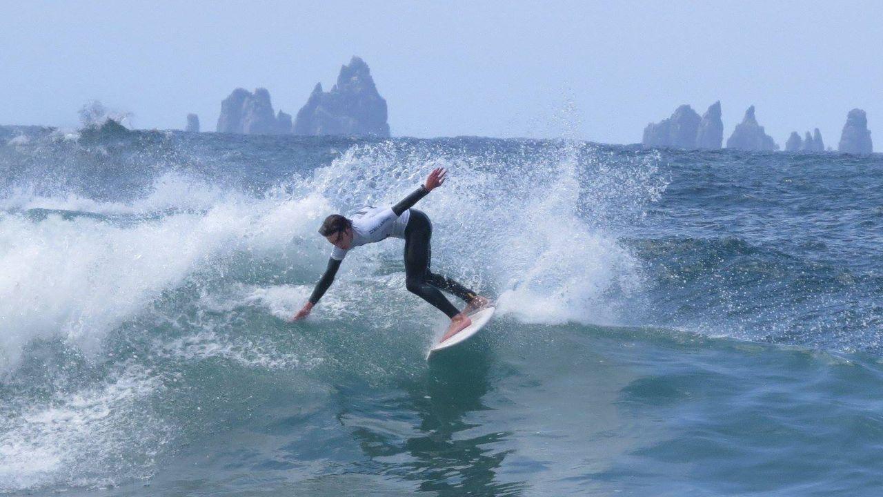Escuela de surf en Asturias surf tapia de casariego surfing
