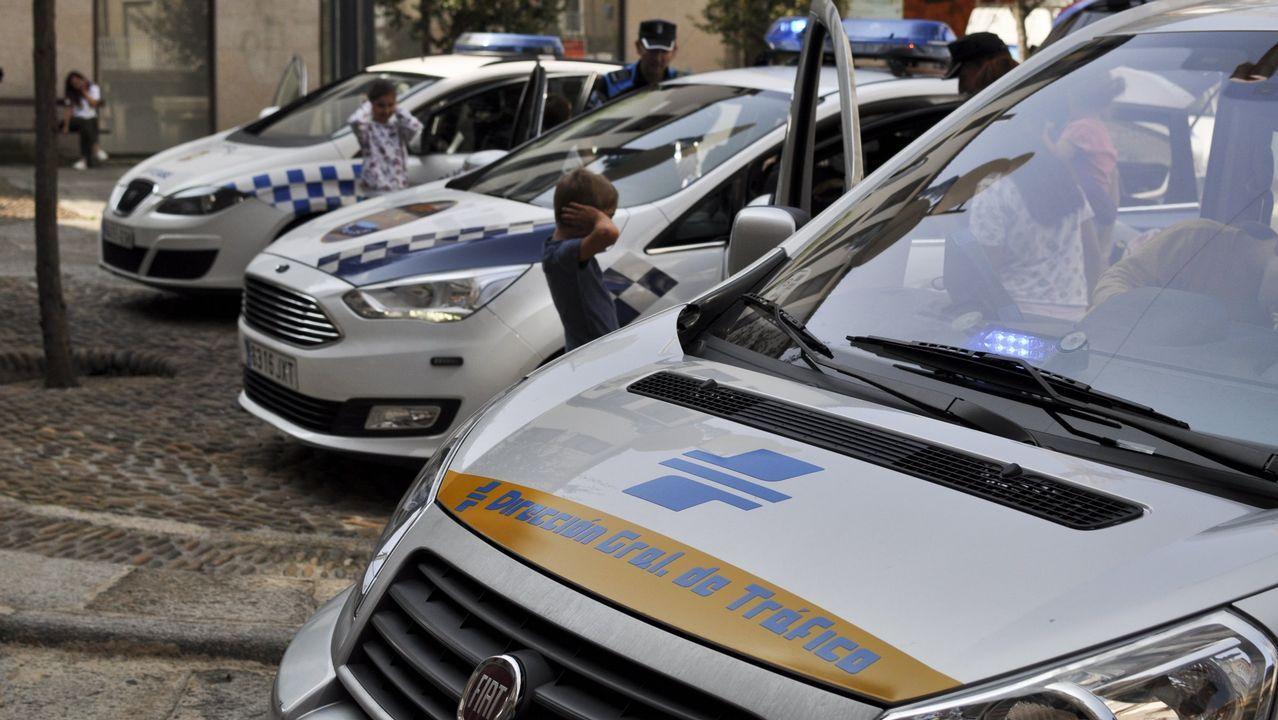 Pontevedra homenajea a la Constitución.Agentes de la Guardia Civil de Tráfico