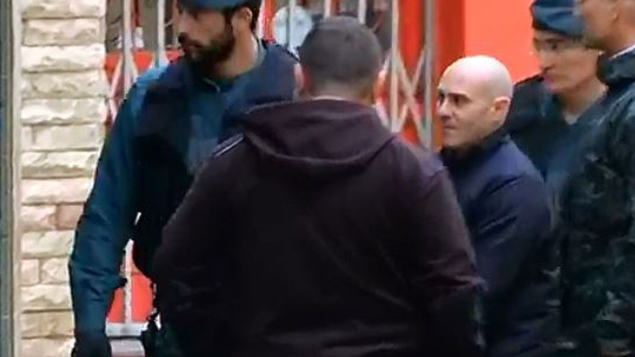 Javier Ledo, rapado en su regreso a Navia