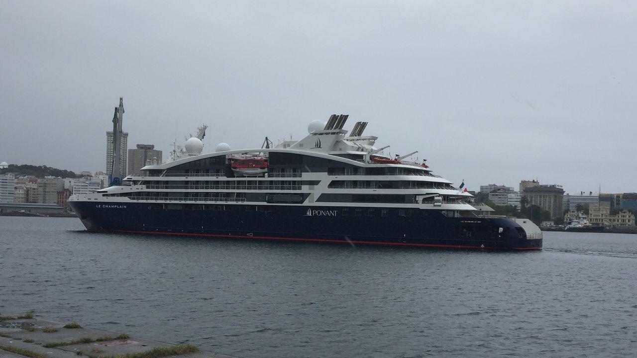 El Champlain y el Britannia en el puerto