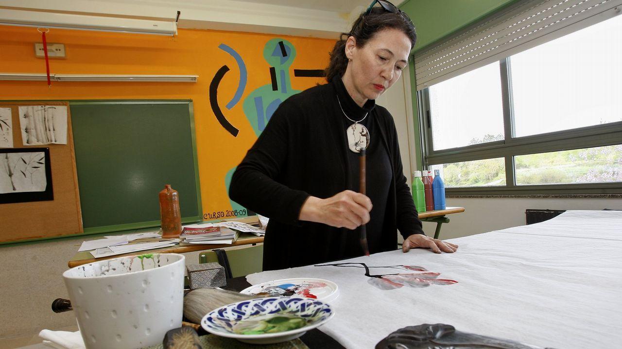 .Susana Llorente, en un obradoiro en el instituto de Baio