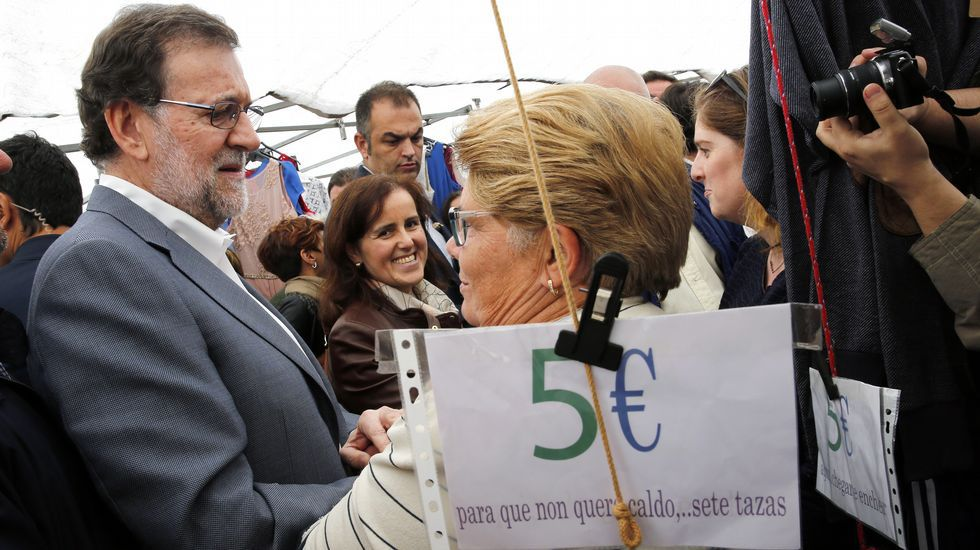 Galicia Montessori.El presidente del Parlamento, Miguel Ángel Santalices, y los vicepresidentes Diego Calvo y Eva Solla