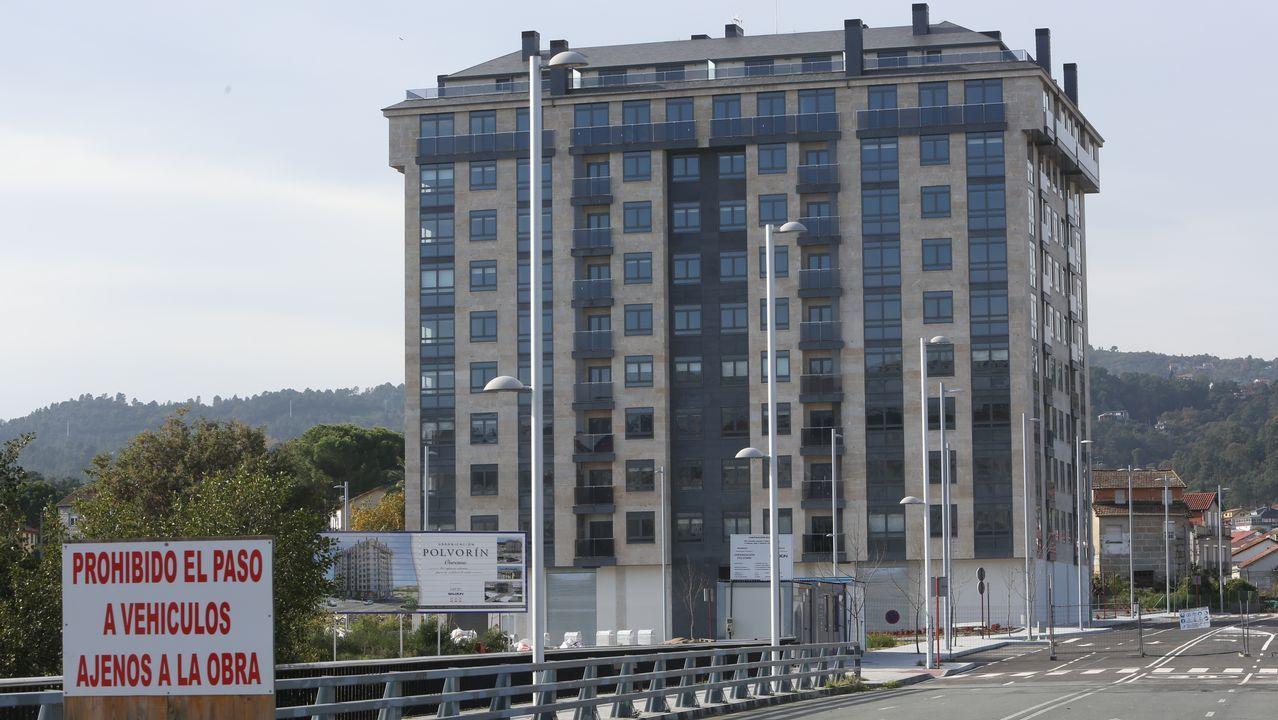 Con tres niños y al borde del desahucio en Vigo.Integrantes de la PAH piden la dimisión de la concejala Eva Illán