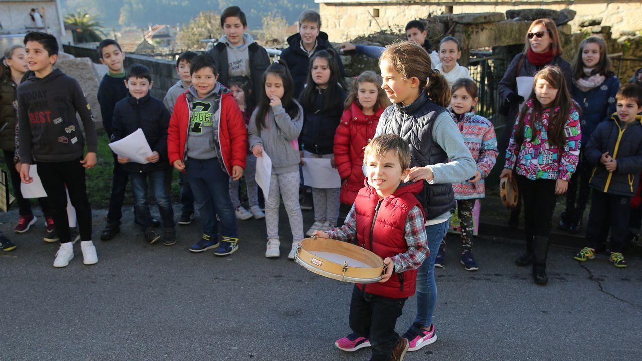 Os rapaces de meaño cantan as xaneiras