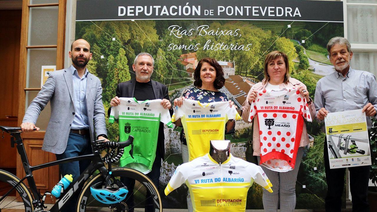 Concurso solidario Cantagalos en Meaño