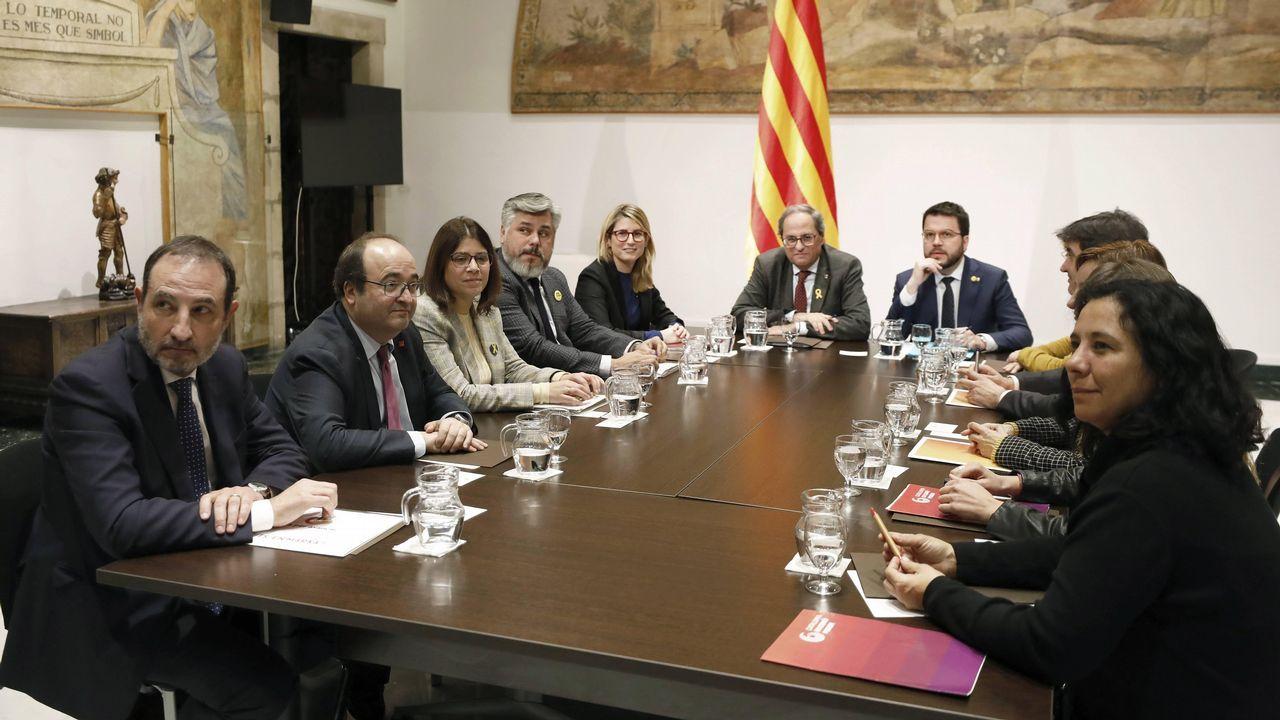 A la mesa de diálogo del Gobierno de Quim Torra con partidos catalanes asistieron miembros del PSC y de  Catalunya En Comú-Podem, además de ERC y JxCat, pero no lo hicieron de C's, PP y la CUP.