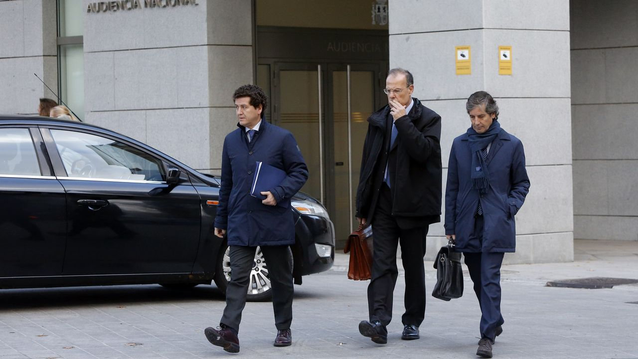 Gayoso evita explicar de nuevo por qué se intervinieron las cajas gallegas.Julio Fernández Gayoso y Gregorio Gorriarán acudieron a los juzgados ayer, por separado, acompañados de sus abogados