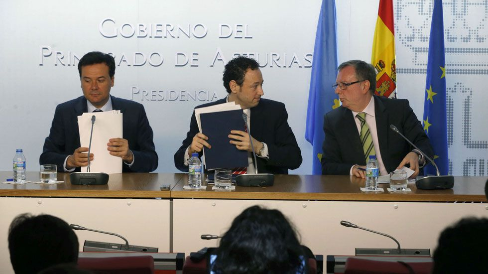 Francisco Blanco, Guillermo Martínez y Francisco del Busto