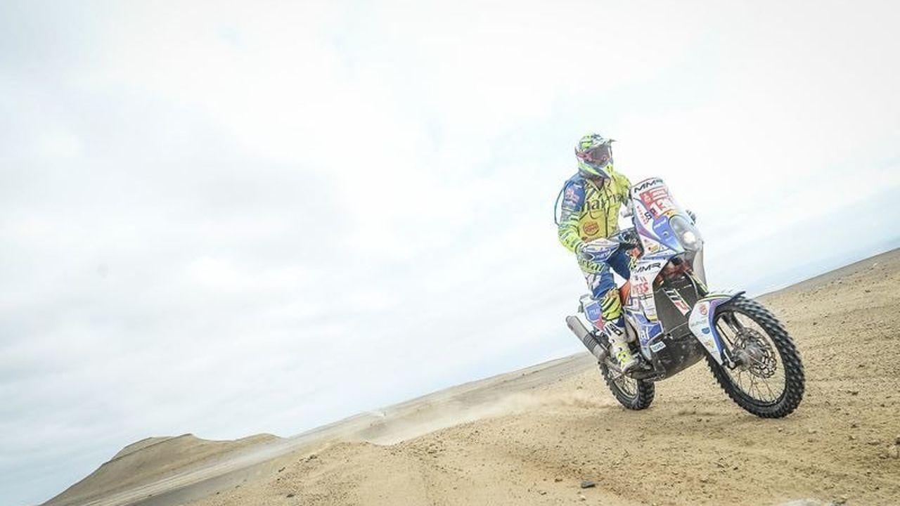 El piloto asturiano Javier Álvarez, en pleno recorrido del Dakar