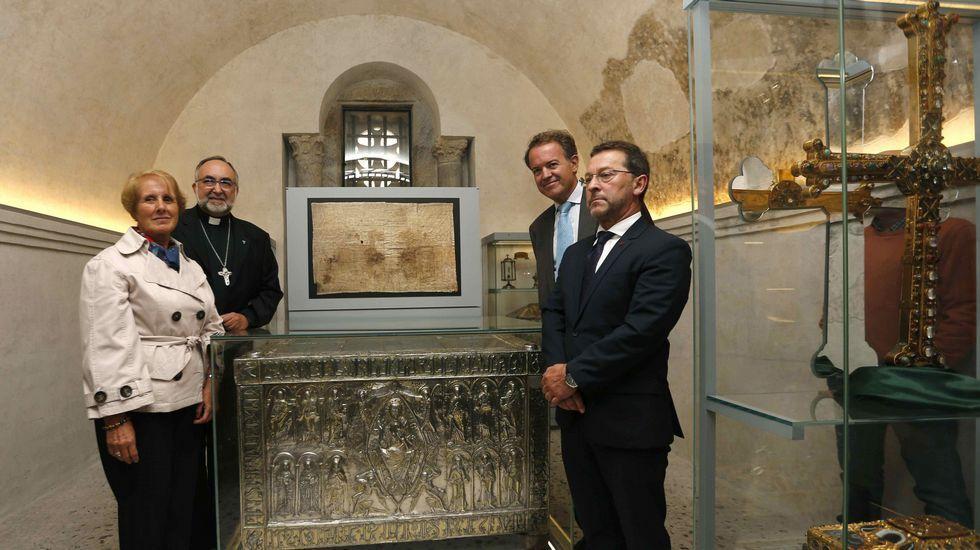 .El Arca Santa vuelve a la Catedral
