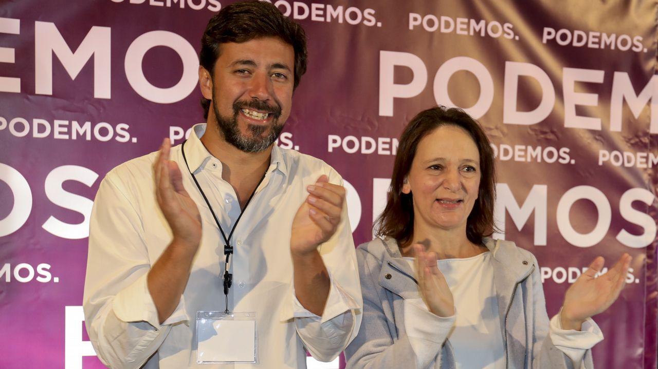 Villares, con Elena Cores, integrante de la nueva coordinadora de En Marea