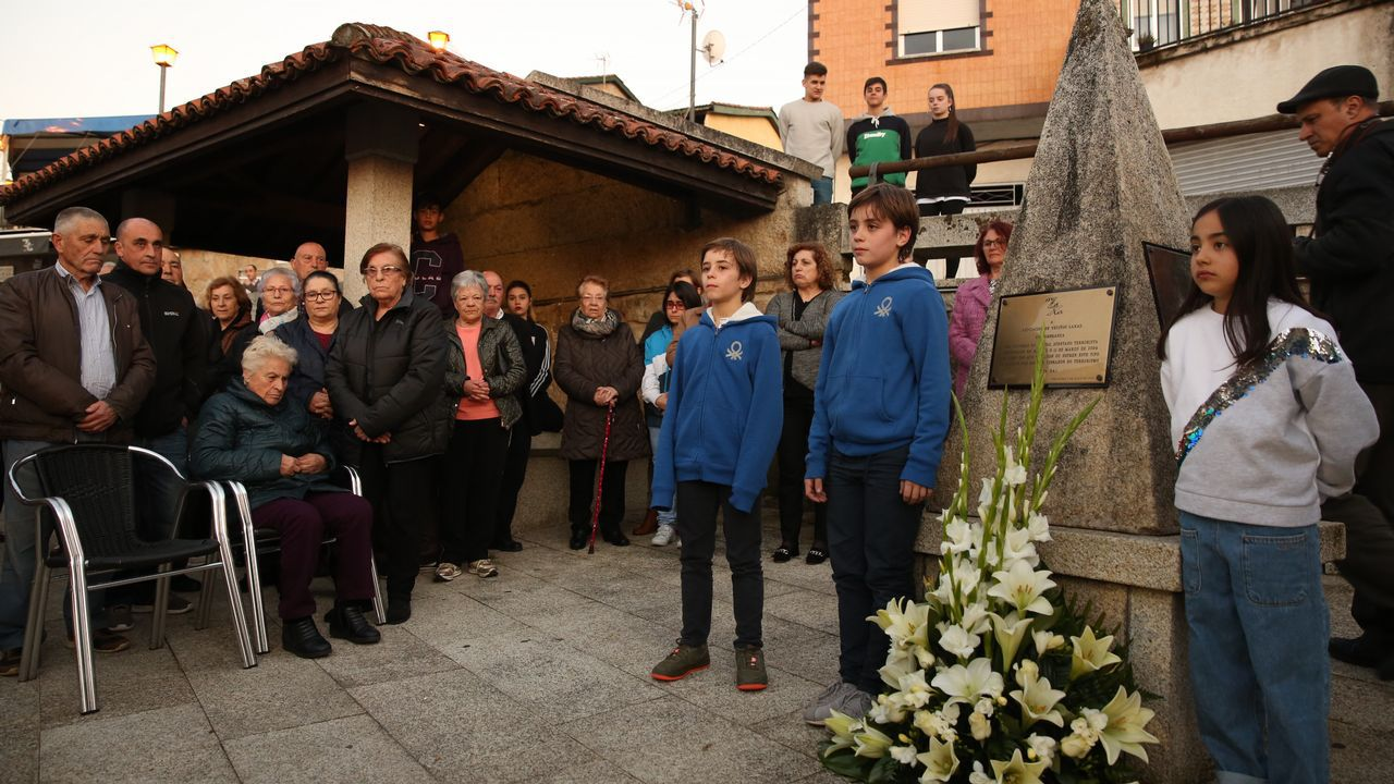 La catedral de Santiago amanece con dos nuevas pintadas.Una de las pintadas halladas esta semana en el Arco de Palacio, de la catedral de Santiago
