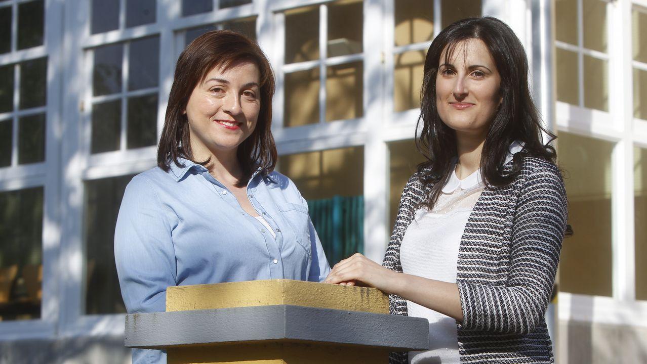 .En la imagen, Laura Sueiras y Lucía Brage, dos de las tres fundadoras del colectivo Mousai, que persigue la promoción de las humanidades