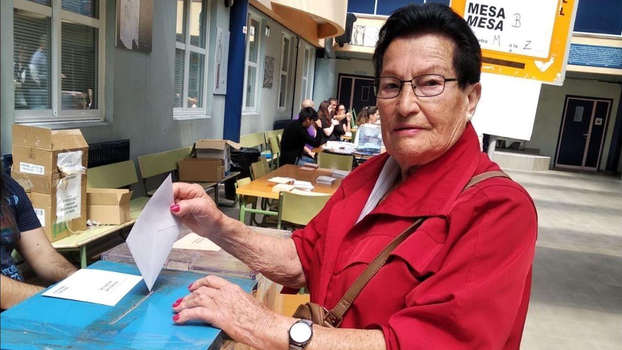 Laura Verdes Otero, vota por primera vez a los 87