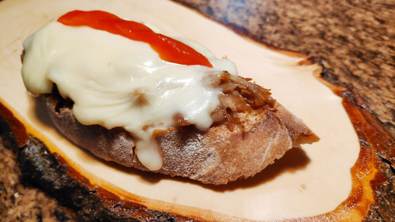 Cervecería Norte: Cochinillo en cama de queso