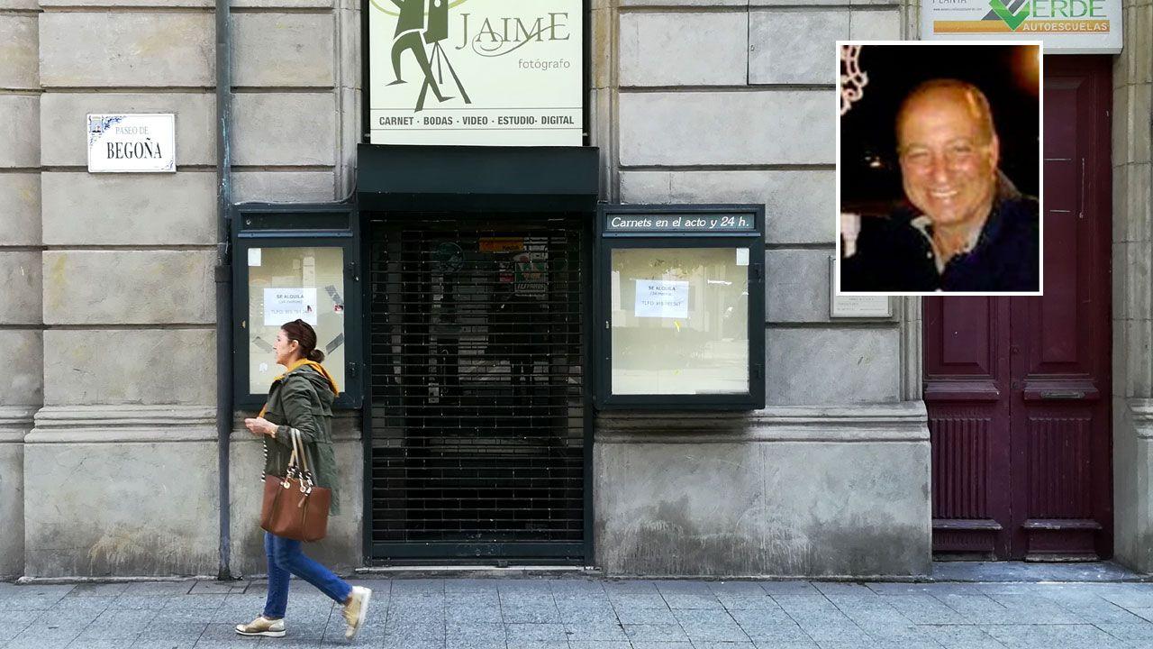 .Jaime Dude, en el recuadro, ante el establecimiento que regentó en el paseo de Begoña