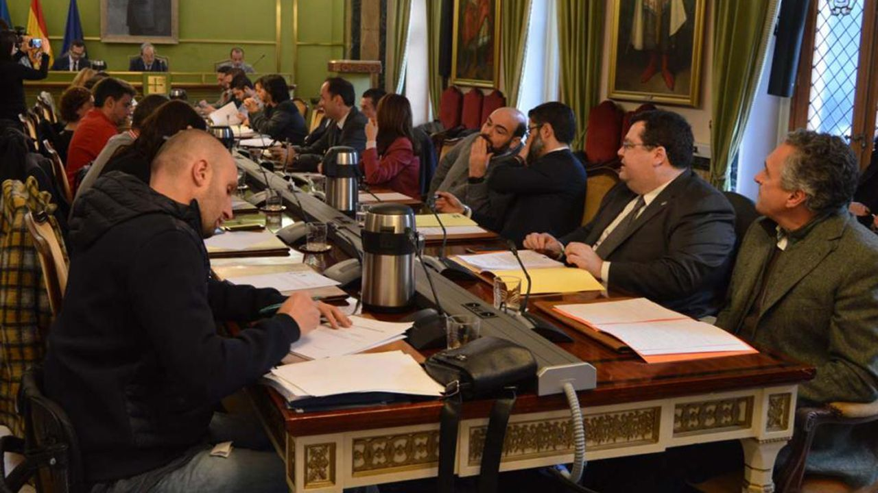 | EFE.Pleno del Ayuntamiento de Oviedo