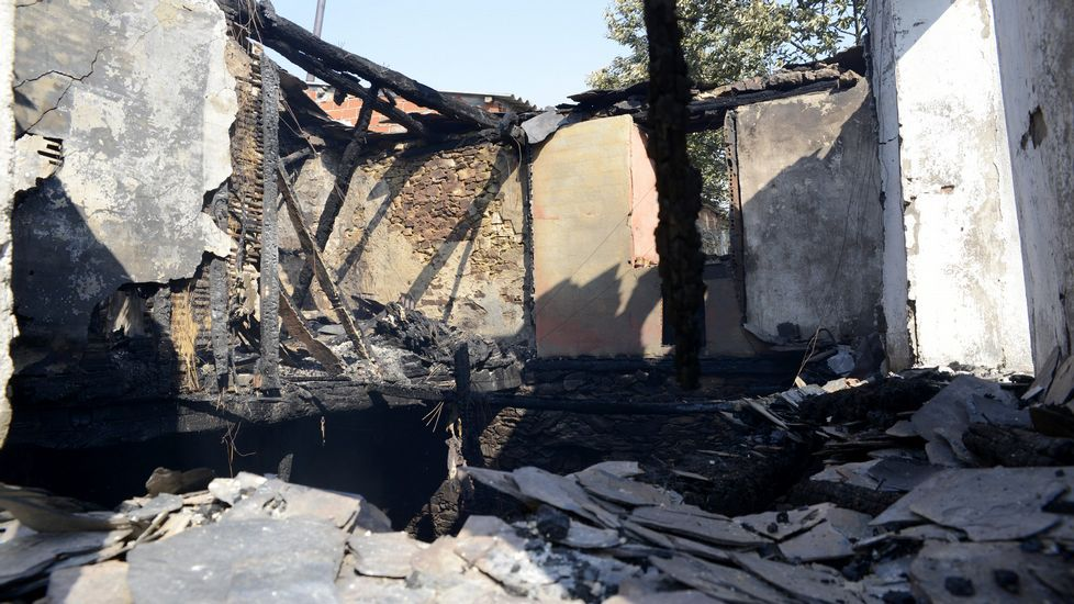 La vivienda destruida por el fuego en Trives
