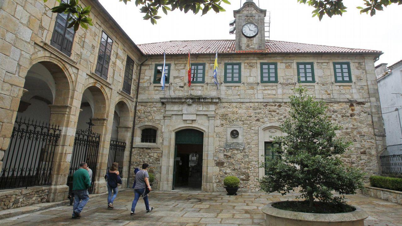 Las joyas contemporáneas de la Coleccion Fundación Cajastur Liberbank.El marchante de Parga, José Carlos Bergantiños, en una de sus visitas a los juzgados de Lugo
