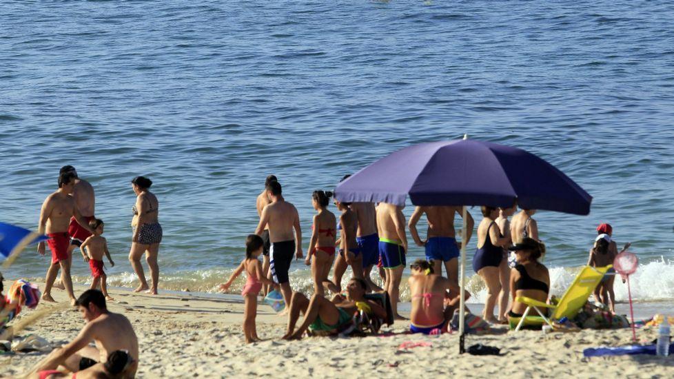 Playa de Retorta, en Boiro.Playa de Llas, en Foz