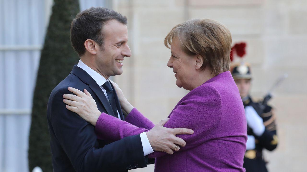 Los interinos temen un ERE masico en las próximas oposiciones.Billetes de euro