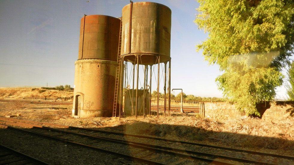 Tramo abandonado de la ruta ferroviaria de la plata.Tramo abandonado de la ruta ferroviaria de la plata