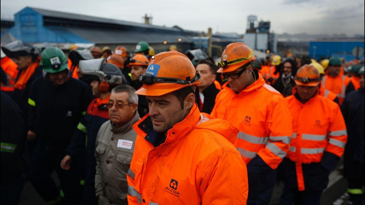 Marcha para intentar frenar los 369 despidos en Alcoa