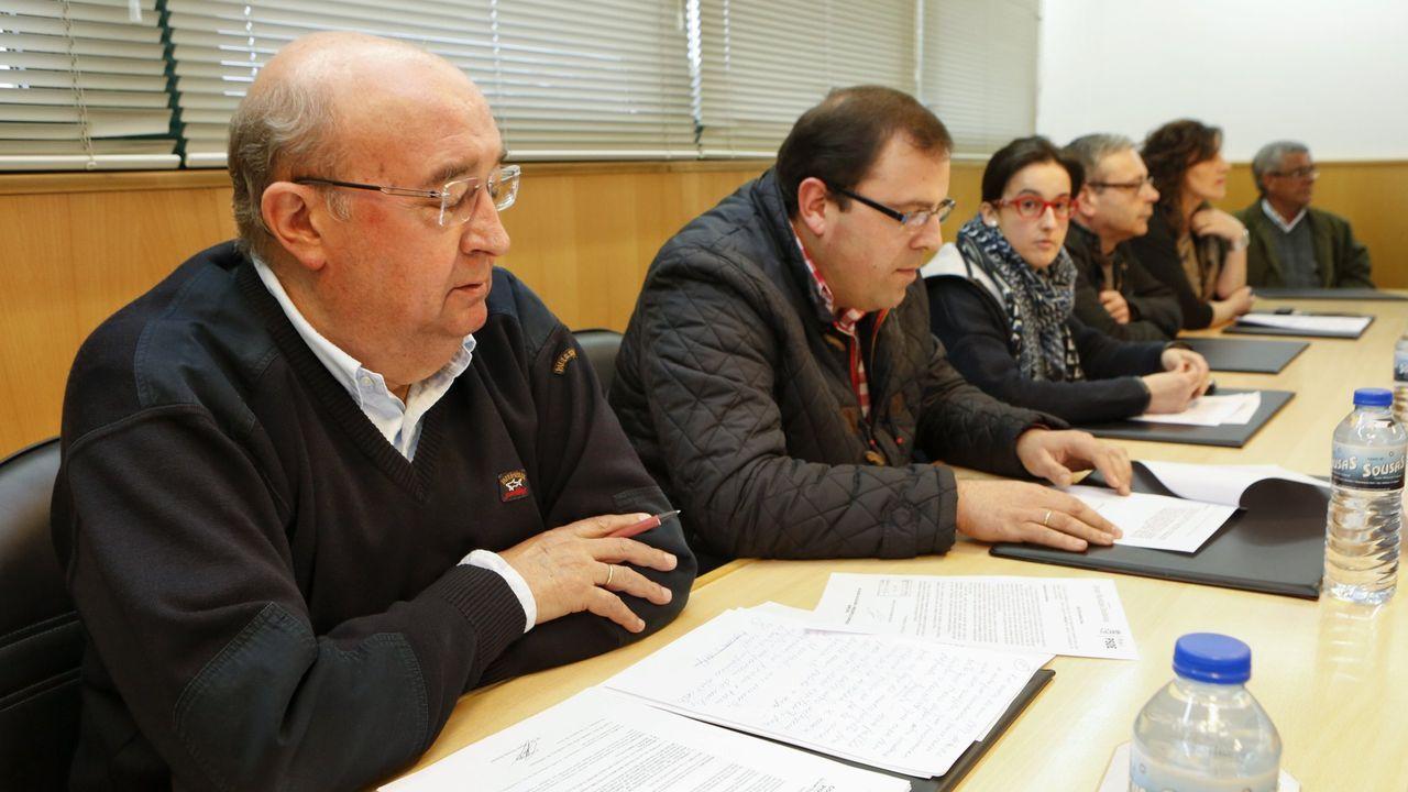 El pleno de investidura del popular coristanqués Juan García, en imágenes