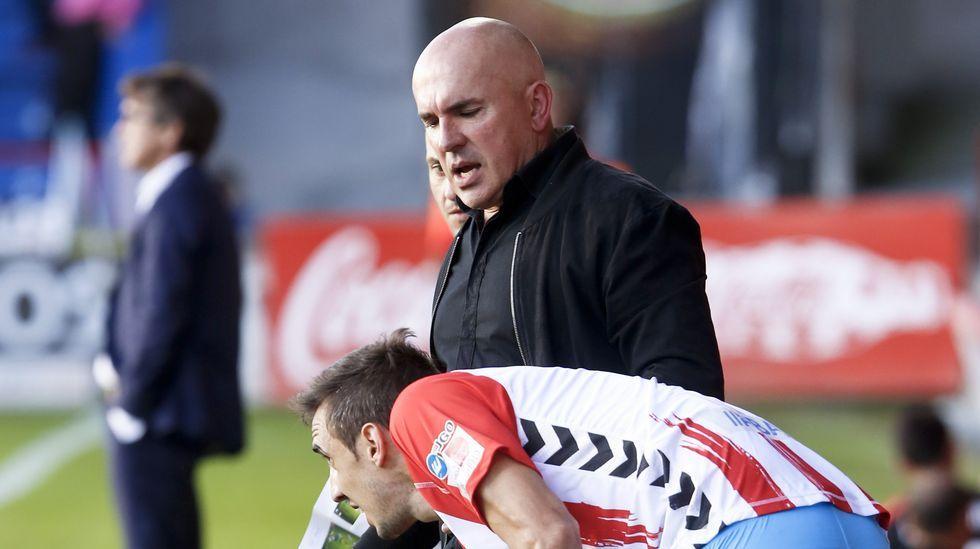 Aitor Sanz pelea un baló aéreo ante el Getafe.