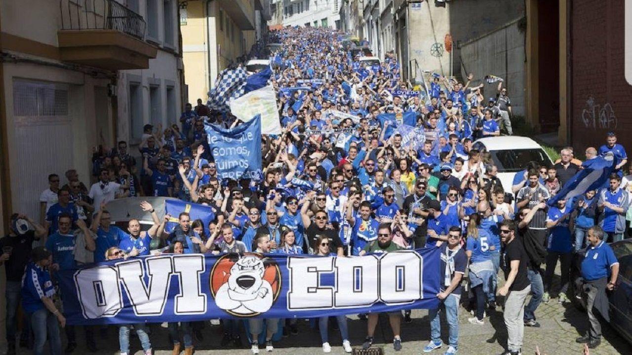 Real Oviedo Sevilla Atletico.Afición del Oviedo en Lugo en 2017