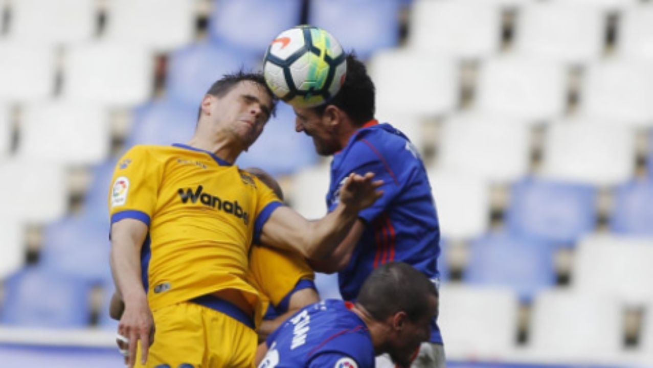 Real Oviedo Carlos Tartiere Lugo Horizontal.Alineación del Real Oviedo ante el Alcorcón