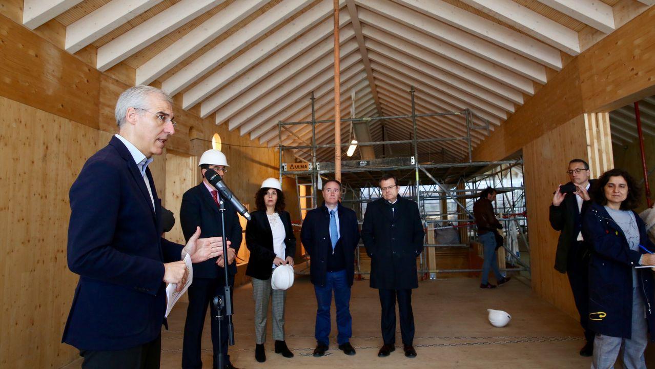 Xunta y Universidad, «preestrenan» el edificio que el campus tendrá en el centro.Sistema de reciclaje en la planta de exposición de Cogersa