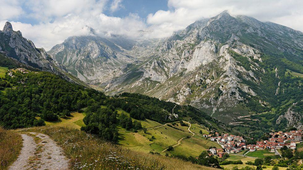 Vertido al río Cares.Parque Nacional Picos de Europa