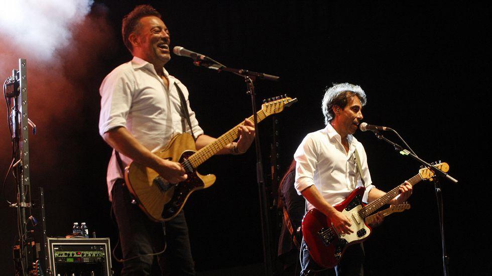 .Dos de los integrantes de Café Quijano durante el concierto que dieron este domingo en Monforte