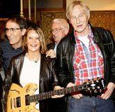The Quarrymen y Julia Baird lideran el concierto.