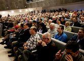 A la junta celebrada en el Ágora asistieron más de 400 accionistas y estuvo representado el 33 % del capital.