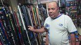 El campeón del mundo en la tienda especializada Agropesca, en Fene