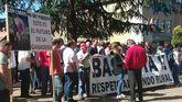 Protesta en Oviedo de los ganaderos, que se defienden de las críticas por el lobo y los incendios