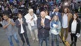 Villares, con los alcaldes de A Coruña, Santiago y Ferrol, Beiras, y las líderes de EU y Podemos Galicia.