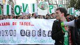 Una multitudinaria manifestación de estudiantes, docentes y padres reclama en Oviedo el fin de la LOMCE
