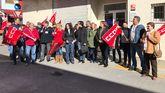 Concentración de apoyo a los trabajadores de Burger King de El Entrego, convocada en Sama