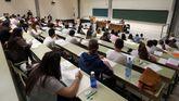 Los alumnos de Asturias se enfrentan a la primera jornada de la Evaluación de Bachillerato para el Acceso a la Universidad (EBAU), que sustituye a la Selectividad tras la implantación de la Lomce, pero que mantiene las mismas características.