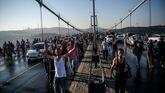 Hace ahora un año, la población tomó el puente sobre el Bósforo para frenar el golpe