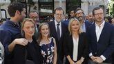 El presidente del Gobierno, Mariano Rajoy, junto a Marimar Blanco, el secretario general del PP en Euskadi, Iñaki Oyarzaba, el vicesecretario general del partido, Javier Maroto y el parmentario vasco Borja Sémper durante el homenaje a Miguel Ángel Blanco