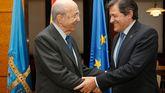 Plácido Arango saluda al presidente del Principado, Javier Fernández