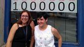 Trabajadoras de la administración de Piedras Blancas que repartió un millón de euros con el Euromillón