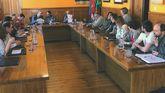 David Moreno preside el pleno del 20 de abril en Aller, en el que el Gobierno dejó de ser del PSOE
