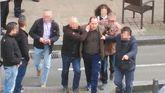 Momento de la detención de Pablo P. G. tras el atraco a un banco en la avenida de la Constitución de Gijón