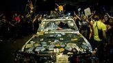 Estado en el que han quedado los coches de la Guardia Civil